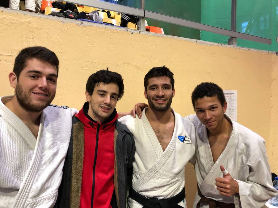 photo_des_4_judokas_champ_hdf_du_29-11-18.jpg